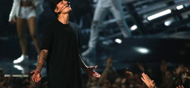 Justin Bieber - What Do You Mean Video Testo Musica
